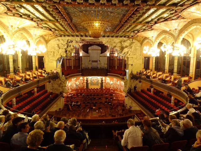 Fiesta de la poesía y la música coral en el Palau de la Música Catalana