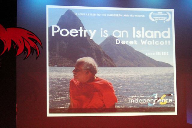 Reflexiona con un poema de Derek Walcott