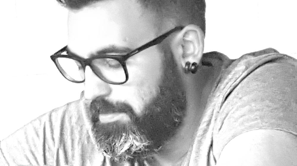 Arturo Carballo: «La poesía me ayuda a comunicarme con el mundo»