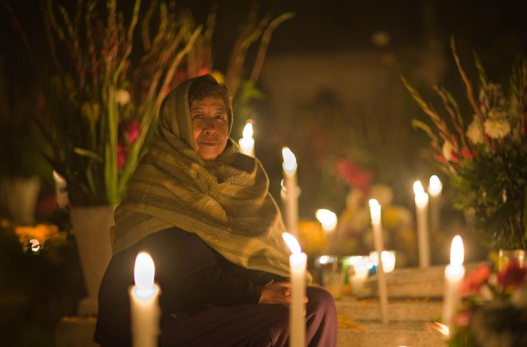 Festejando la muerte: 8 poemas para el Día de Muertos