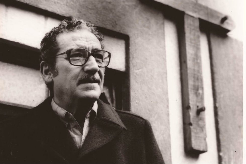 """""""Es inútil vivir, pero es más inútil morir"""": 4 poemas de Jaime Sabines"""