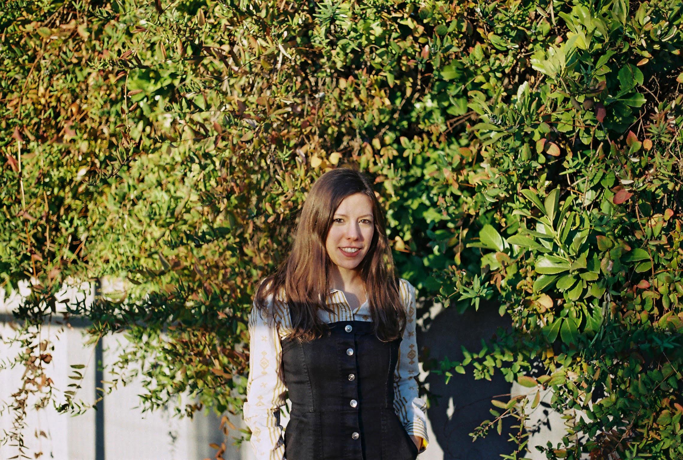 13 preguntas y una poeta, Emily Roberts: «Creo que es importante reivindicar el papel transformador de la poesía»