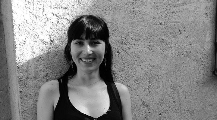 13 preguntas y una poeta, Lola Nieto: «Compartir los afectos va a ser, quizá, la única tabla de salvación en las eras por venir»