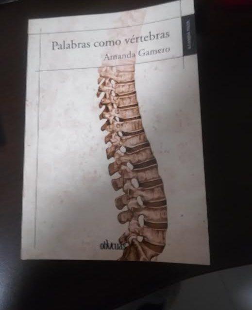 Palabras como vértebras, de Amanda Gamero, Ed.Oblicuas
