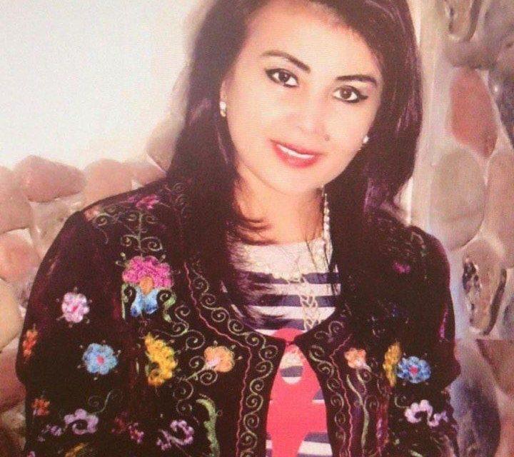3 poemas de Khosiyat Rustamova, poeta uzbeka