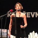 Natasha Sardzoska: «El ser humano siempre va a hacer poesía porque jamás va a ser feliz.»